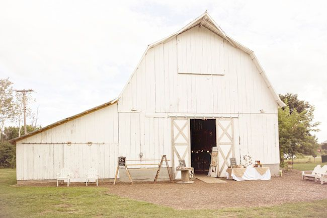 Handmade Michigan Barn Wedding: Carissa + Ryan