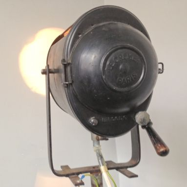 "This original theater lamp ""Projecteur Cremer Paris"" dates back to the 50s."