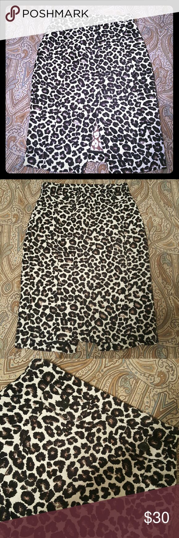 Gorgeous thick, embroidered  Leopard pencil Skirt Gorgeous thick, embroidered  Leopard pencil Skirt euc. runs a tad small. So sad because I loved this.  H & M tends to run small.  off white, black, brownish-gold. Stunning!!! H&M Skirts Pencil