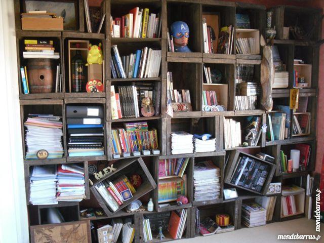 Bibliothèque caisses à pommes anciennes vintage et trendy