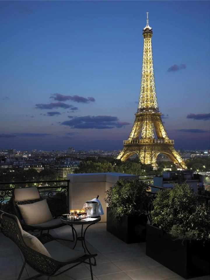 Bucket of Bubbly with a great view of the Eiffel Tower, Paris