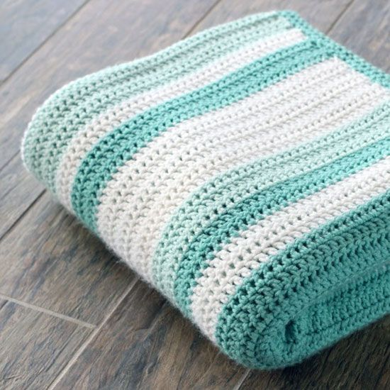 Gorgeous double crochet afghan and pattern. Perfect for a beginner! Link to random stripe generator in post! ༺✿ƬⱤღ  https://www.pinterest.com/teretegui/✿༻