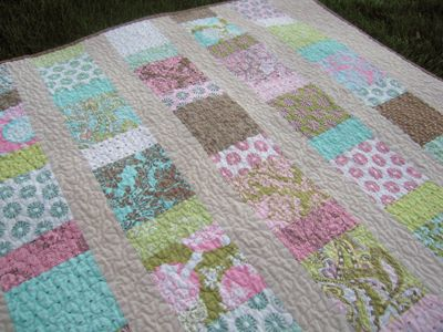 Beginner Quilt Patterns For Baby : 25+ best Charm square quilt ideas on Pinterest Charm pack quilts, Charm pack and Quilt sizes