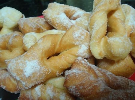 Calzones rotos comida chilena