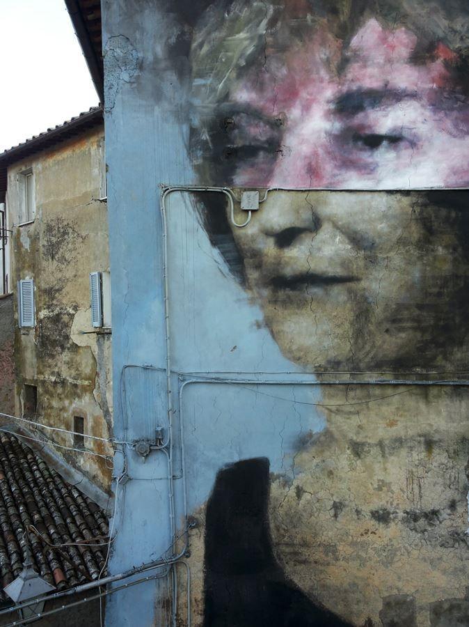 FRAN BOSOLETTI .. 'Desarraigo' .. for Urban Vision Project .. [Acquapendente, Italy 2016] (close up)