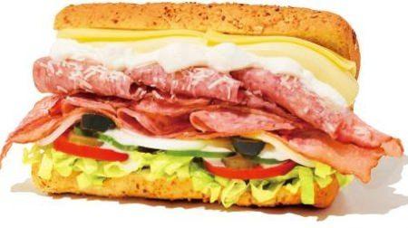 サブウェイに史上最厚のサンドイッチ贅沢BLT--チーズ全種2倍量のベーコンをサンド