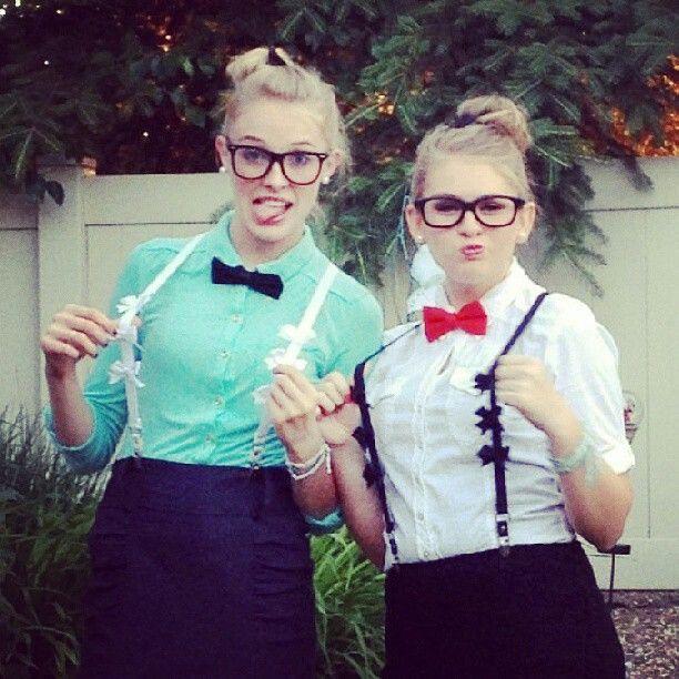 Cute nerd outfits(: Me N my sissehs! ^.^