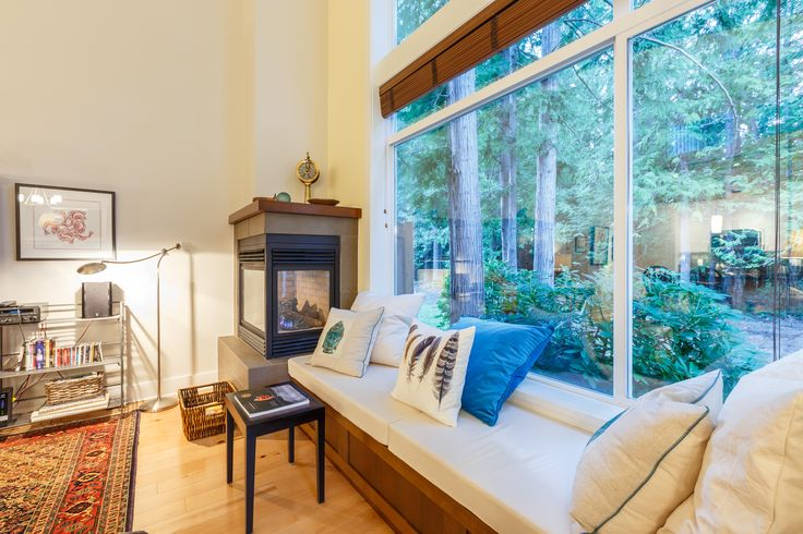 High ceilings and ample windows help make Beachwalk Guesthouse spacious and welcoming. Beech hardwood floors and use of natural products throughout the house help provide a healthy environment. #windowseat