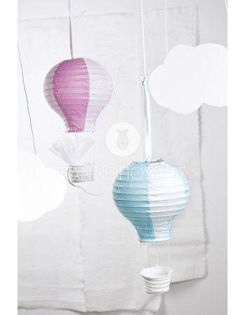 Μπομπονιέρα αερόστατο, διατίθεται σε δύο χρώματα ρόζ & γαλάζιο για κορίτσι και αγόρι αντίστοιχα. Όλες οι μπομπονιέρες διαθέτουν τούλι 25x25 οργάντζα, κορδέλα σατεν διπλής όψεως και κουφέτα μπάλες   Χατζηγιαννάκη  crispy  ματ παλ  χρώματιστά ή μονόχρωμα.