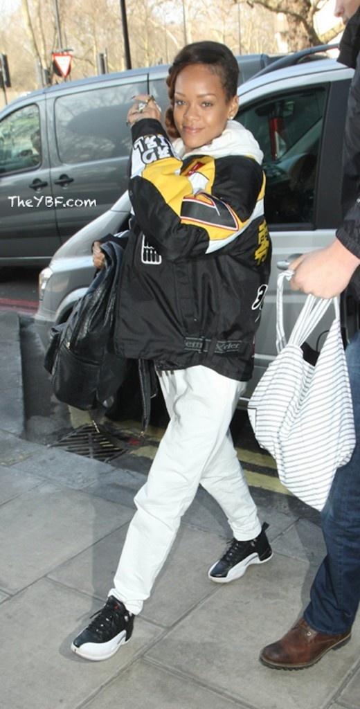 Rihanna wearing Air Jordan XII « Playoffs »