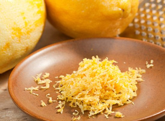 Do you know the difference between lemon rind and zest? And how to they differ from the lemon peel? Our expert has the answer.