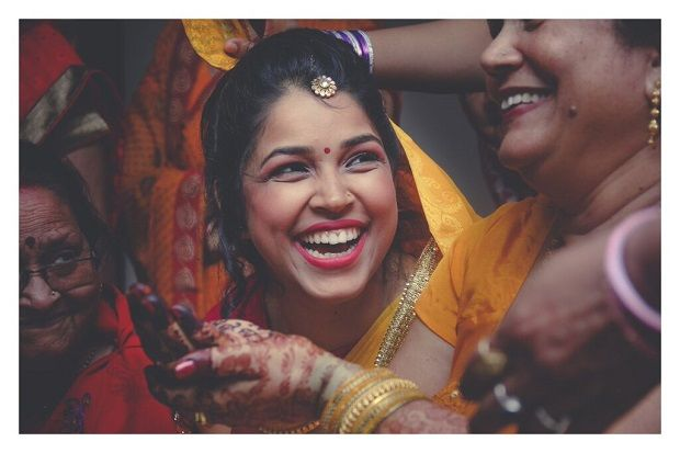Candid Wedding Photography of Traditional  Indian Bride by Sandeep Gadhvi Photography in Vadodara,Gujarat.