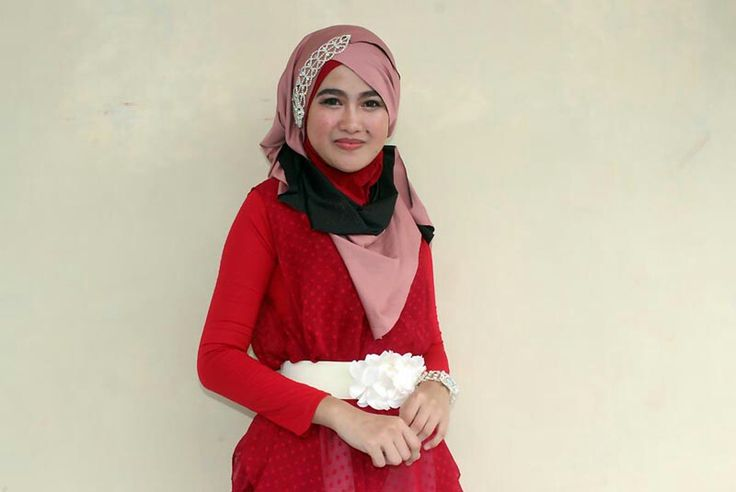 Safitri Rahmadani, 23 years old from Indonesia.  View her full biography and vote her to be The World Muslimah 2014. http://tinyurl.com/wma2014-09071808 #nominee #onlineaudition #WorldMuslimah2014