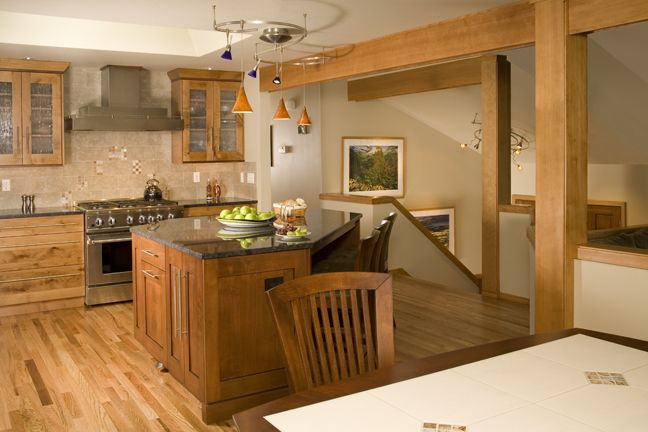 Riddle construction and design kitchen gallery redmond for Split level home kitchen ideas