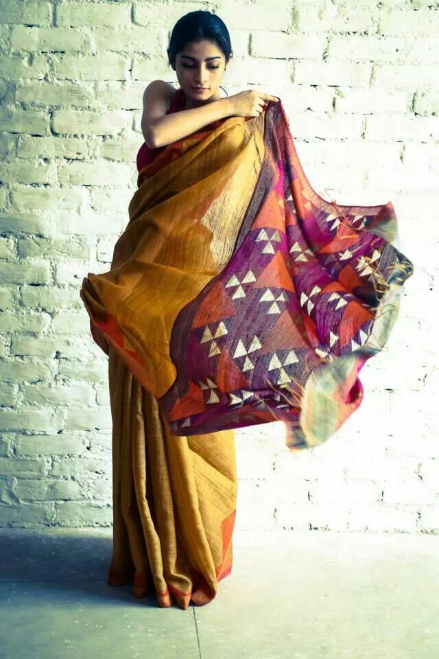 That print is so gorgeous. Purple and orange balance the entire mustard of the saree #love