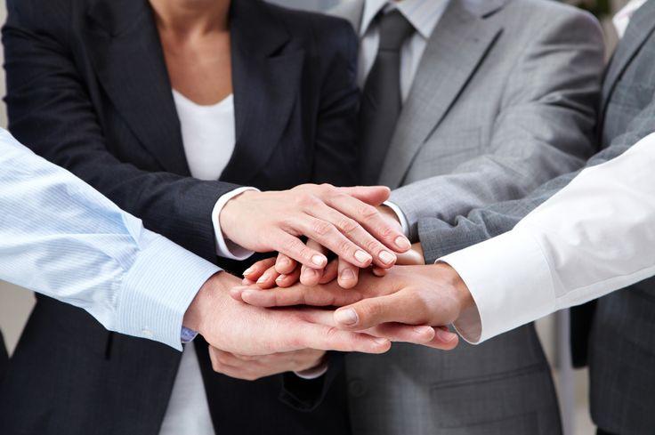 Başarıyı, sorumluluklarını bilen, fikirlerini çekinmeden paylaşabilen ve yeniliklere açık bir ekiple yakalamak daha kolaydır… Güler yüzlü, olumlu düşüncelere sahip, birbirini dinleyen ve önemseyen bir ekibin başarısı ise kaçınılmazdır.  http://www.sodexoavantaj.com/iyi-yasa