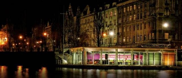 Prague at Night - 5 Quirky Things To Do including a floating jazz bar, a Hemingway absinthe bar, and the ZOO at night!