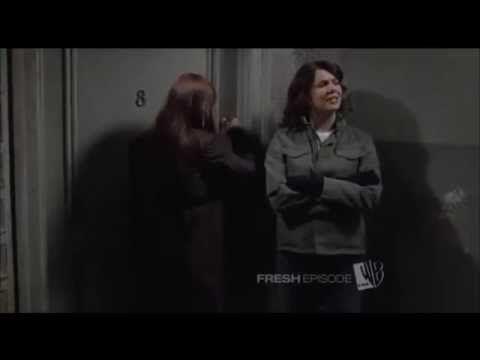 Lorelai reviews Rory's apartment - YouTube