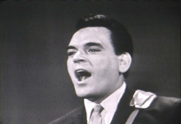 † Nick Massi (September 19, 1935 - December 25, 2000) American arranger, singer and guitarist, o.a. known from the group the Four Seasons.