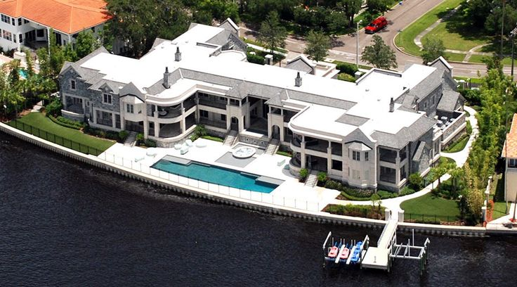 Derek jeter 39 s mansion in tampa florida is considered one for Celebrity homes in florida