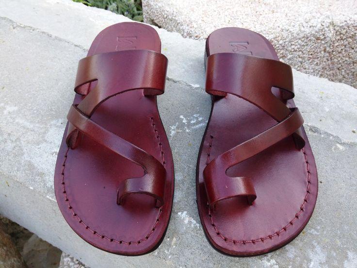 VENTA! Nuevas sandalias de cuero con tirantes. Zapatos para Mujeres y Hombres Chancletas Cintas Pisos Calzado de Diseñador Bíblico de Jesús de Sandalimshop en Etsy https://www.etsy.com/mx/listing/288767377/venta-nuevas-sandalias-de-cuero-con
