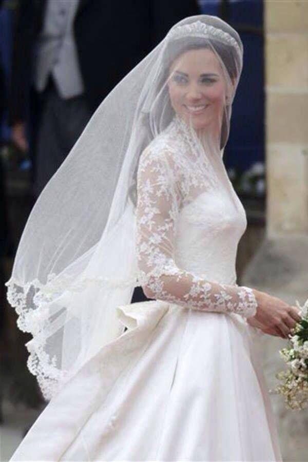 Yo entristeco que yo no se pareca Kate Middleton. Es necesito que yo pareca Kate en el día de mi boda.
