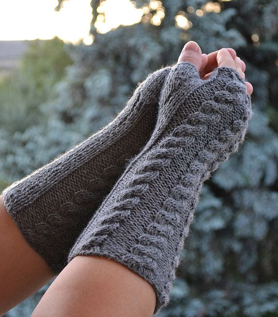 Knitted mittens gloves mitts gray glove mitten  by DosiakStyle #knittedgloved #graygloves #fingerlessgloves