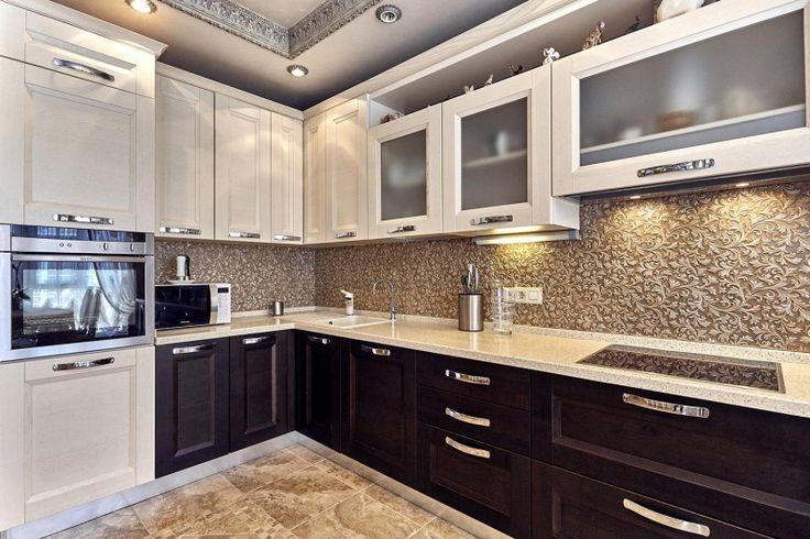 Cданные дома / 3-комн., Краснодар, Казбекская ул, 14 500 000 http://krasnodar-invest.ru/vtorichka/3-komn/realty247367.html Продается отличная 3- комнатная квартира в престижном районе. Супер цена! Просторная кухня. Качественный дизайнерский ремонт. Мебель и бытовая техника входит в стоимость. На кухне и ванной комнате есть теплый пол. Практически вся мебель из дуба. Лепнина гипсовая, дорогая сантехника, которая покупалась в «Бомонде», дизайнерские выключатели. Итальянские люстры, подвесная…
