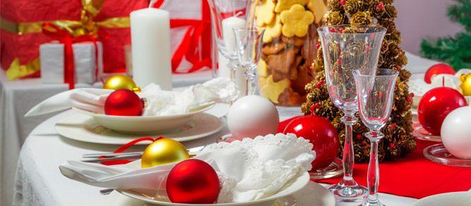 Si estás buscando buenas ideas para decorar la mesa de Navidad, estás de enhorabuena. Te traemos las más importantes en este post.