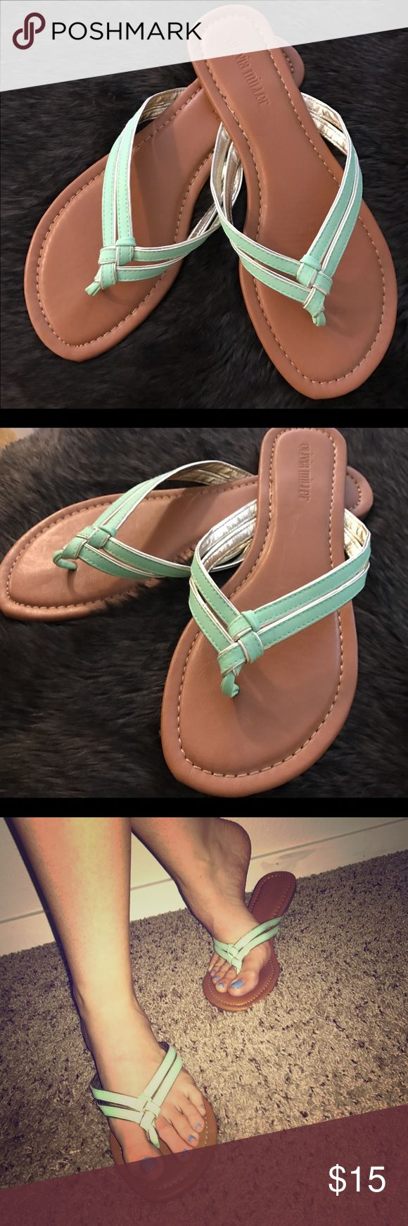 Seafoam & Gold Flip Flop Sandals Sz 9 Seafoam and Gold Double Strap W/ weave knot Flip Flop Sandals Sz 9 Preowned in great condition, clean and appear like new, worn once. Shoes Sandals