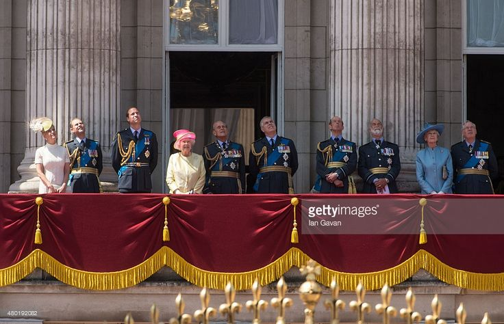 (L-R) Sophie, Countess of Wessex, Prince Edward, Earl of Wessex, Prince William, Duke of Cambridge, Queen Elizabeth II, Prince Philip, Duke of Edinburgh, Prince Andrew, Duke of York, Prince Edward, Duke of Kent, Prince Michael of Kent, Princess Alexandra, and Prince Richard, Duke of Gloucester watch the flypast from the balcony of Buckingham Palace to commemorate the  75th Anniversary Of The Battle Of Britain on July 10, 2015 in London, England.  (Photo by Ian Gavan/Getty Images)