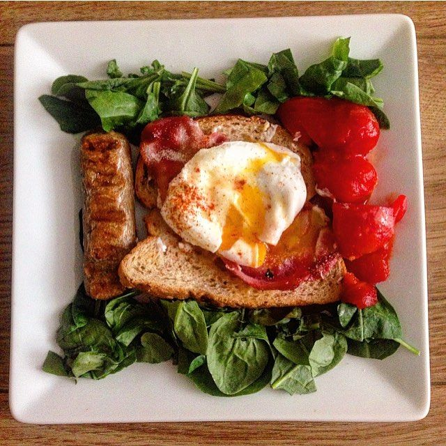 Healthy cooked breakfast - poached egg and bacon on toast , with quorn sausage, spinach and tomato  #breakfast #cookedbreakfast #saturday #poachedeggs #eggs #bacon #sausage #tomato #spinach #toast #healthyeating #nutrition #fitfam #fitness #healthy #foodgoals #healthychoices