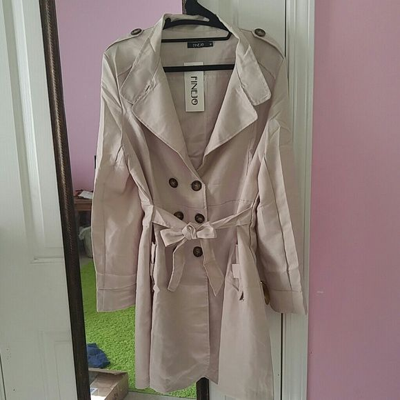 NWT Lightweight Trench Coat Tan trench coat, light enough to be a jacket. Real pockets! Never worn. Jackets & Coats Trench Coats