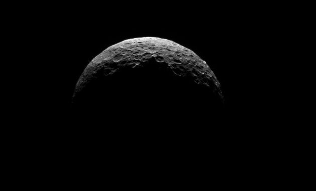Dawn spacecraft captures a sunlit Ceres on cam