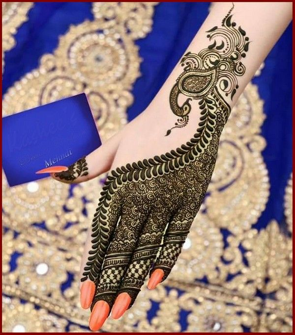 Gorgeous and intricate bridal henna or mehndi design Pinterest // @alexandrahuffy ☼ ☾