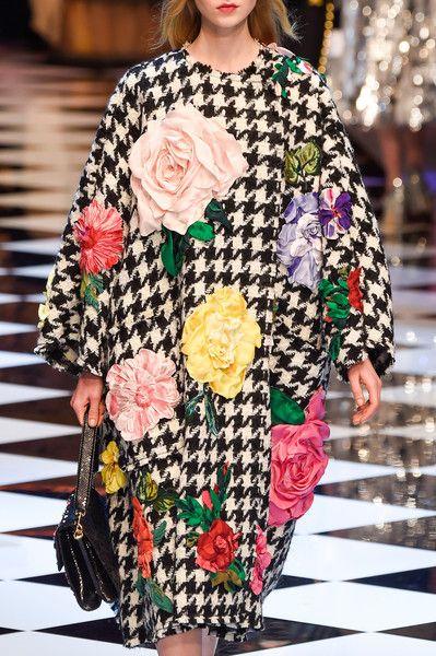 Dolce   Gabbana at Milan Fashion Week Fall 2016 - Livingly 104df8e4834be