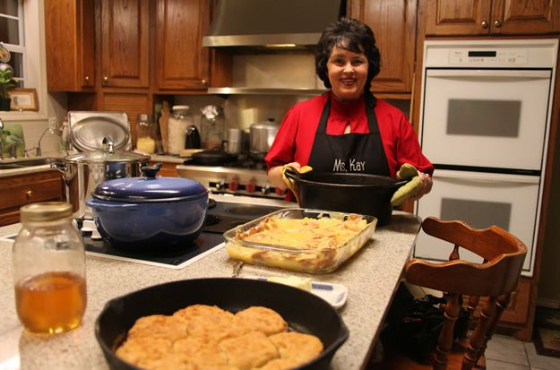 What is Miss Kay Robertson's recipe for sweet tea?