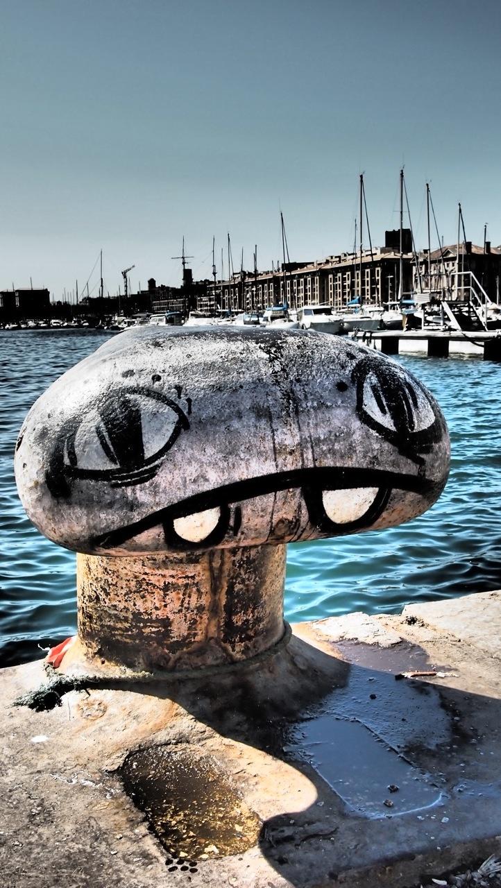 E.T. c'est une bite, en fait... (Port de Marseille)