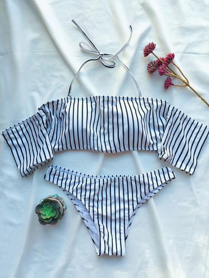 $13.99 Off The Shoulder Strappy Striped Bikini Set  WHITE: Bikinis | ZAFUL Olha só que tesão de bikini pra nós vidrinhos delicados usar por baixo do shorts