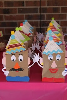 mr potato head bags (click for more Mr. Potato head party ideas)