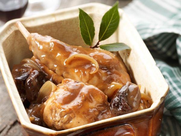 Konijn met pruimen (Rabbit with Prunes) (Recipe in Dutch)