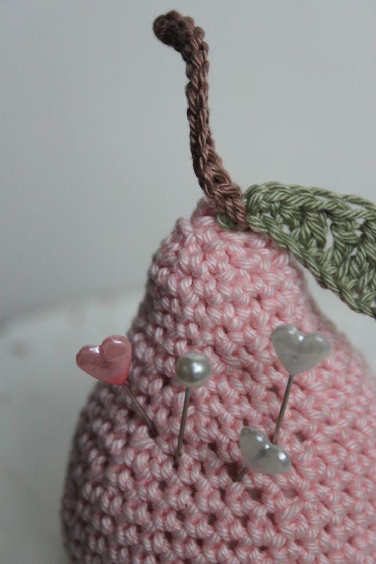 Crochet pear - Gehaakte peer als speldenkussen - Vintage - Mr. Cey Cotton