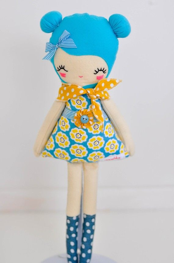 one piner said 'Love lulu doll, plush,softie handmade one of a kind 'i have no idea what kind of doll makers this belongs to but its cute