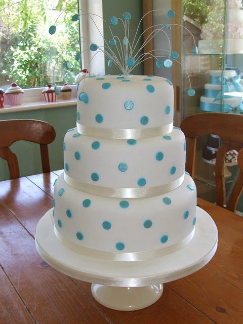 Susannah's Kitchen: 25 Romantic Wedding Cakes ~ For All Seasons   Discount Retro Vintage Aprons, Products, Gifts, Kitchen Gadgets, Recipe, Party, Holiday, Wedding, Chicken, Peanut Butter, Pumpkin, Appetizers, Breakfast, Cupcakes, Desserts, DIY, Style, Comfort, Mexican, Food, Healthy, Favorites, Best, Delicious, Nom Nom, Yummy, Ultimate, Recipes