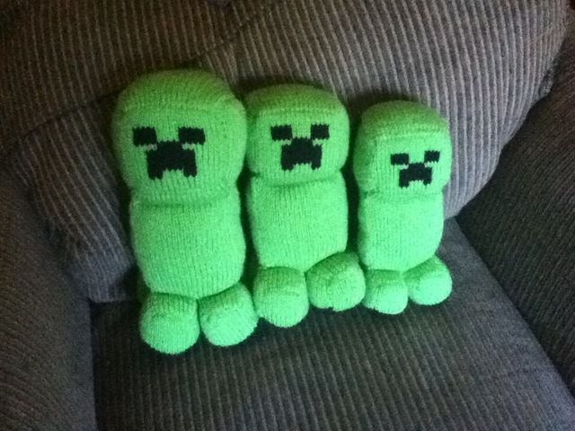 Amigurumi Free Pattern Creeper : Minecraft Creeper Angels Knitting and Crochet Craft ...