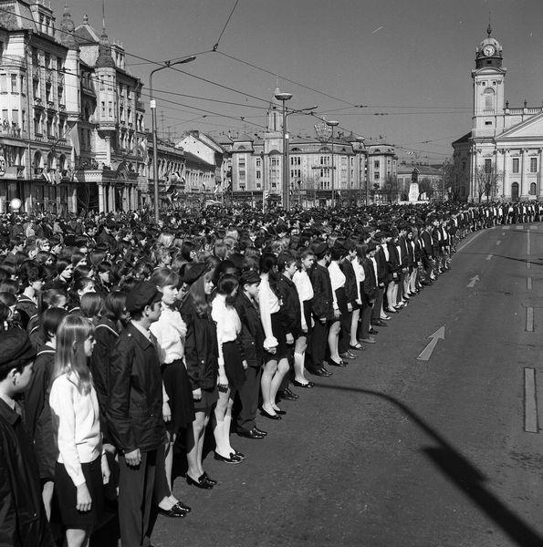 1971.04.04 Akkor nemzeti ünnep
