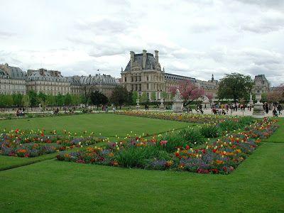 TOP WORLD TRAVEL DESTINATIONS: Jardin des Tuileries, Paris