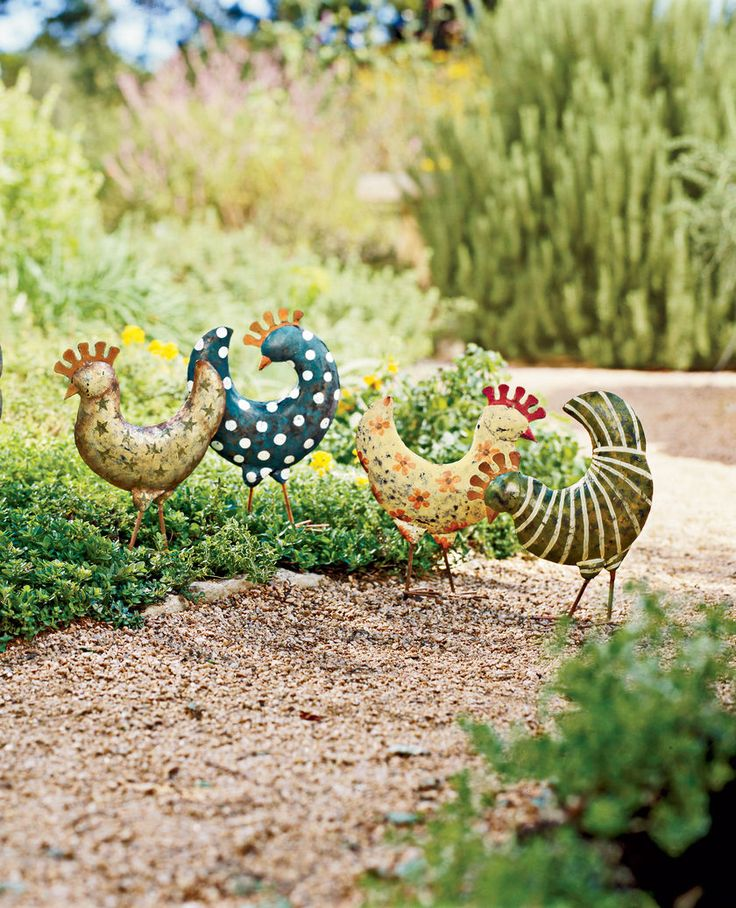 Love these funky chickens!Gardens Ideas, Gardens Decor, Outdoor Living, Gardens Accent, Whimsical Gardens, Chicken Gardens, Gardens Art, Funky Chicken, Handpainted Funky
