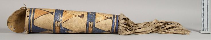 Чехол, Арапахо. Вид два. Длина 13 дюймов, диаметр 3 3/4 дюйма. Коллекция Emile Granier, 1898. NMNH.