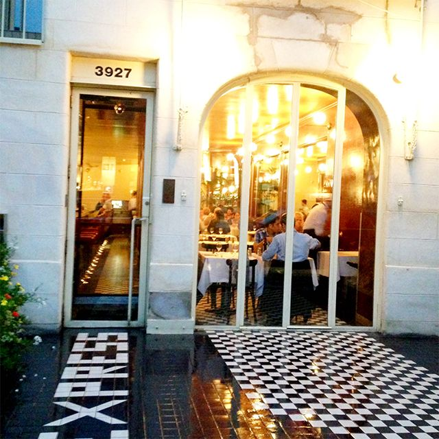 Express- Montreal:trendy, sophisticated Service. Restaurant L'Express gives you a fine taste of Paris at almost any hour, day or night (they actually stay open up to 2:00am). Once you walk through the door, the decor immediately transports you back to a sizzling Paris of the …